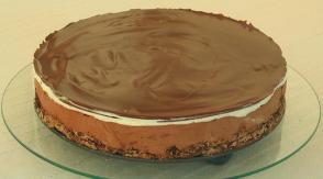 Prajitura fina cu bezea si ciocolata alba